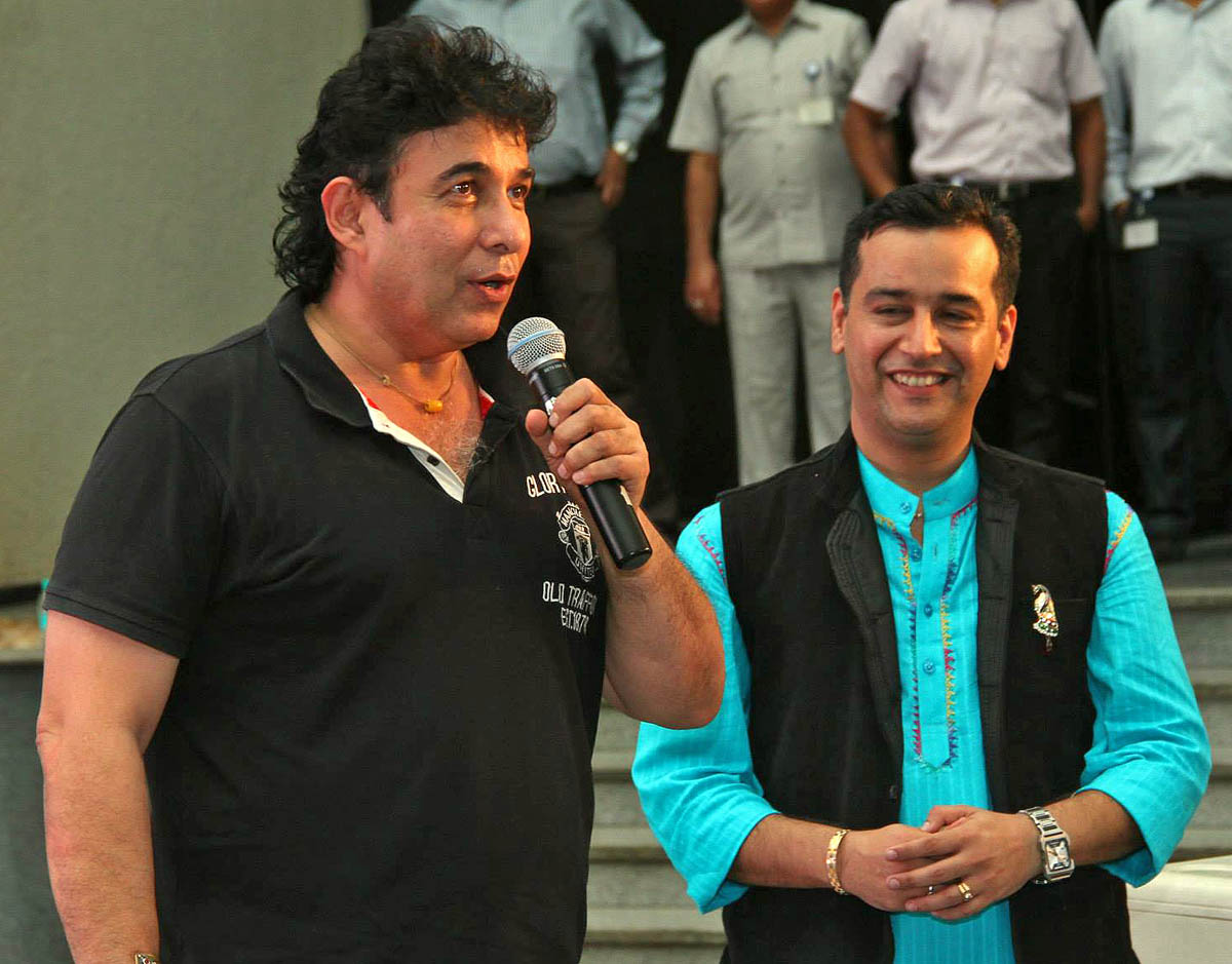 deepak tijori directed movies